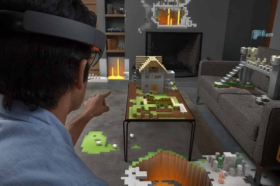 HoloLens_user