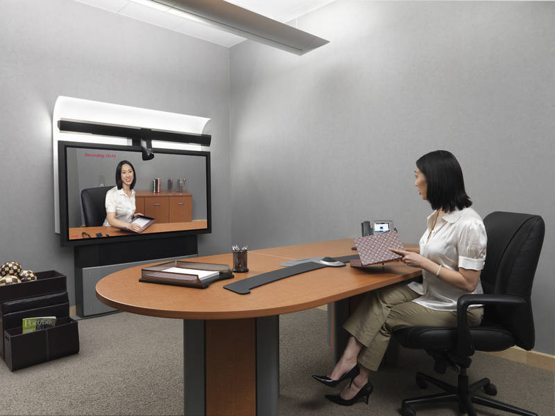Cisco rolls out low end 89K telepresence system Telepresence